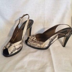 Bandolino Snake Skin Design Heels. Women's size9.5